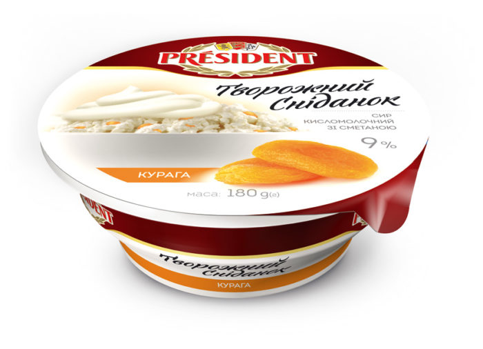 Curd with sour cream and dried apricot 9% President (cup 0,180 kg)